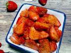 Dâu tây lắc chua chua, cay cay ăn vặt rất ghiền