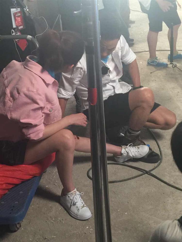 Triệu Lệ Dĩnh xác nhận bị suy tim, dân mạng chia sẻ loạt ảnh mỹ nhân Hoa Thiên Cốt gầy rộc ốm yếu như bộ xương khô-8