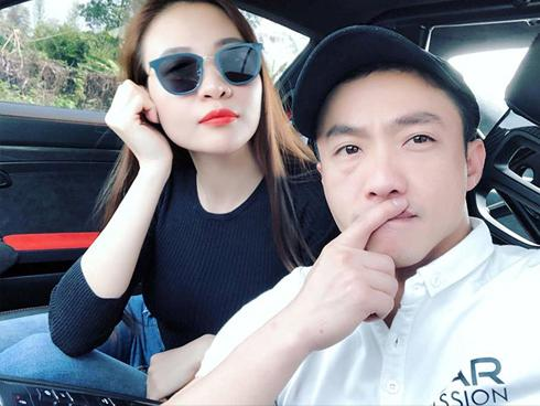 Bị hỏi về Cường Đô La khi đang livestream, Đàm Thu Trang bất ngờ 'khóa miệng': 'Đừng hỏi anh Cường ở đây'