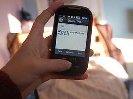 Cái kết đắng cho những anh chàng trót dại nhắn tin cho người yêu cũ