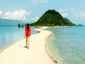 Chiêm ngưỡng con đường giữa biển đẹp ngây ngất ở đảo Điệp Sơn
