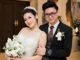 Những khoảnh khắc đẹp của Á Hậu Tú Anh và chồng điển trai trong tiệc cưới