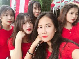 Dàn thiếu nữ bê tráp đẹp tựa hotgirl ở Lào Cai khiến các chàng trai nhất quyết xin bằng được link Facebook