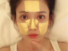 40 tuổi, Trần Kiều Ân vẫn trẻ như thiếu nữ nhờ đắp mặt nạ vàng