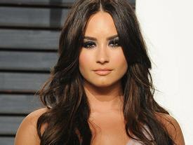 Demi Lovato đi cấp cứu vì sốc heroin