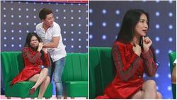 Trấn Thành tái mặt khi bị Hòa Minzy tố không giữ lời ngay trên sóng truyền hình