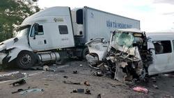 Hiện trường vụ tai nạn thảm khốc khiến 13 người chết ở Quảng Nam