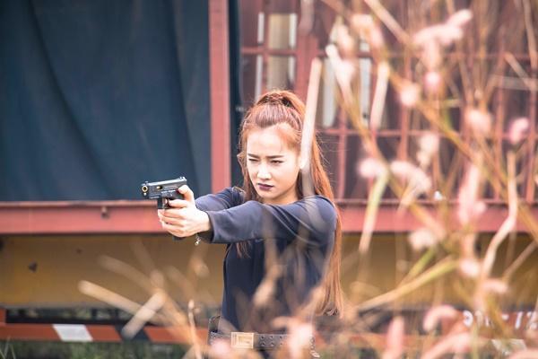 Trở lại màn ảnh rộng sau 1 năm đầy rẫy scandal, Nhã Phương gây bất ngờ với hình tượng nữ cường giỏi đánh đấm-7