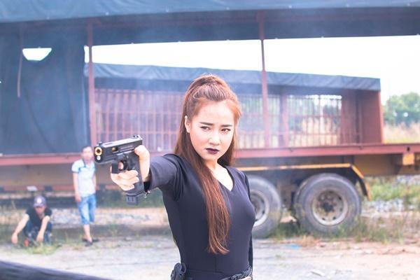 Trở lại màn ảnh rộng sau 1 năm đầy rẫy scandal, Nhã Phương gây bất ngờ với hình tượng nữ cường giỏi đánh đấm-8