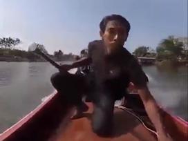 Khi bạn là tay đua nhưng lại phải đi lái thuyền