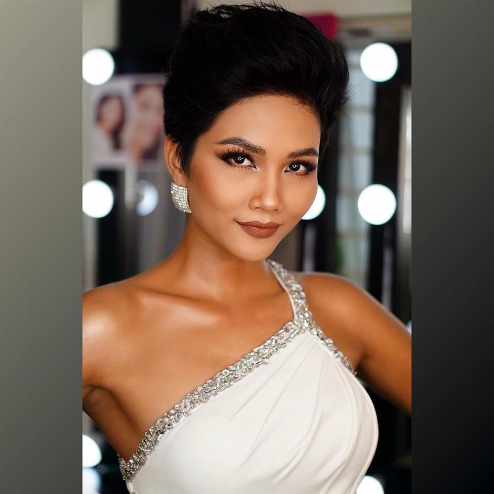 Miss Universe 2018 vừa công bố tổ chức ở Thái Lan, Hoa hậu H'hen Niê đã 'phô trương' body đẹp xuất sắc vạn người mê