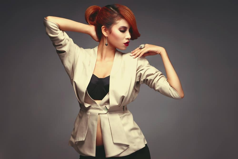 Lộ ảnh Hoa hậu Phạm Hương thuở 18: cằm chẻ đôi, môi hững hờ lên ảnh nghìn kiểu như một-3