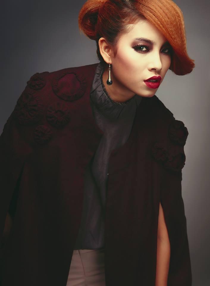 Lộ ảnh Hoa hậu Phạm Hương thuở 18: cằm chẻ đôi, môi hững hờ lên ảnh nghìn kiểu như một-4