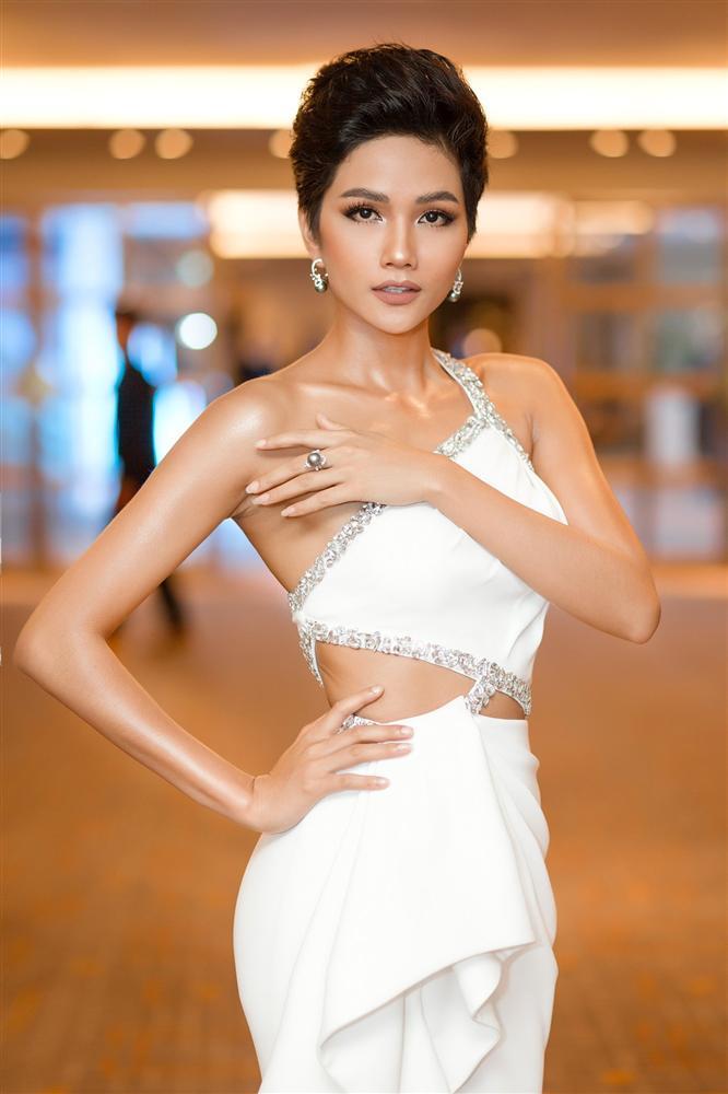 HHen Niê lọt top 5, mỹ nhân chuyển giới Angela Ponce được dự đoán đăng quang Miss Universe 2018-8