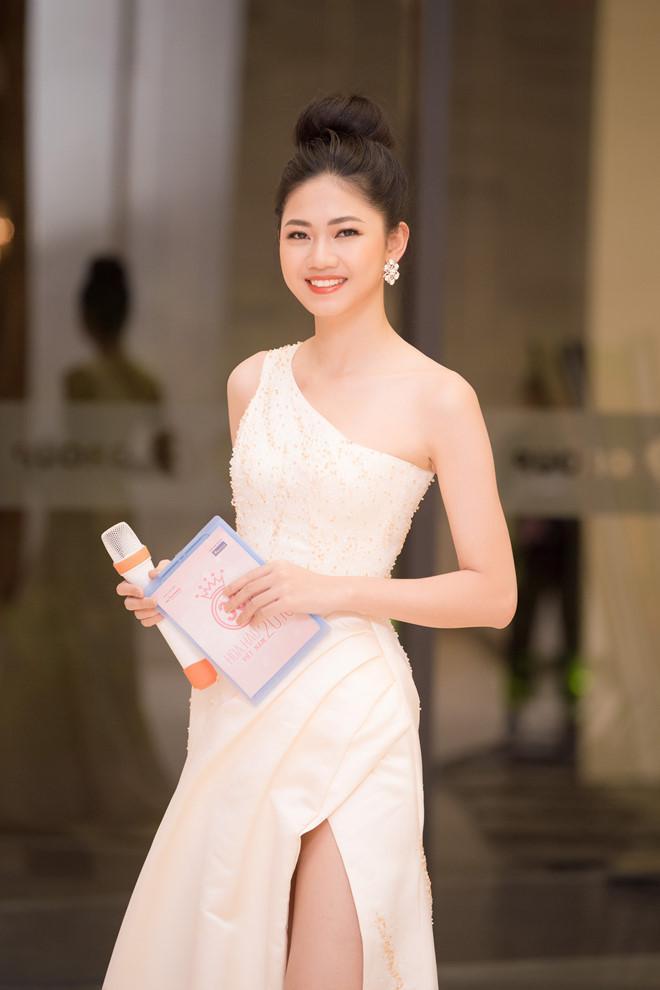 Nối gót chị gái Trà My, Á hậu Thanh Tú từ chối thi sắc đẹp quốc tế vì chuẩn bị lấy chồng?-1