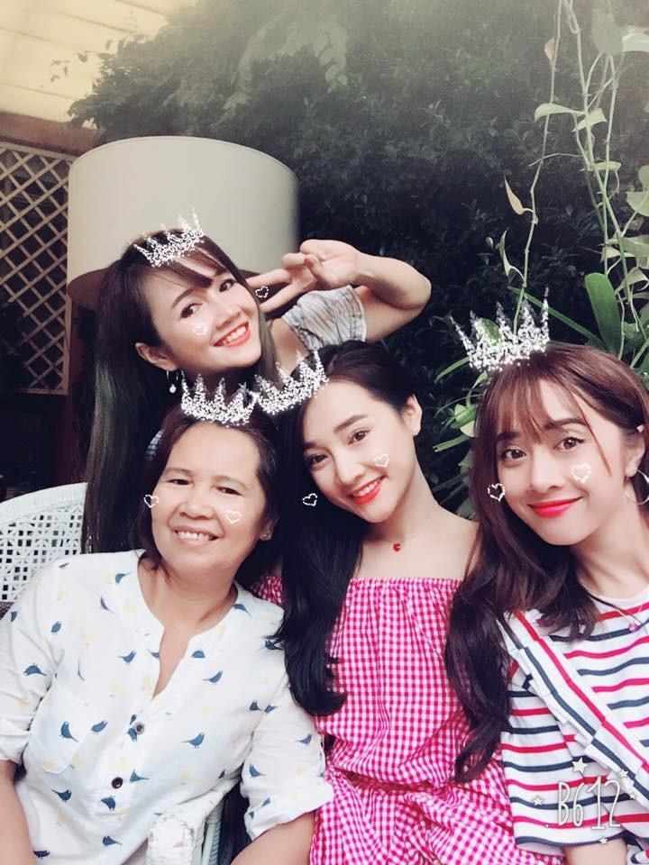 Em gái xinh đẹp của Nhã Phương vượt mặt chị, lấy chồng ở tuổi 26-4
