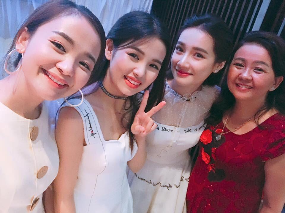 Em gái xinh đẹp của Nhã Phương vượt mặt chị, lấy chồng ở tuổi 26-3