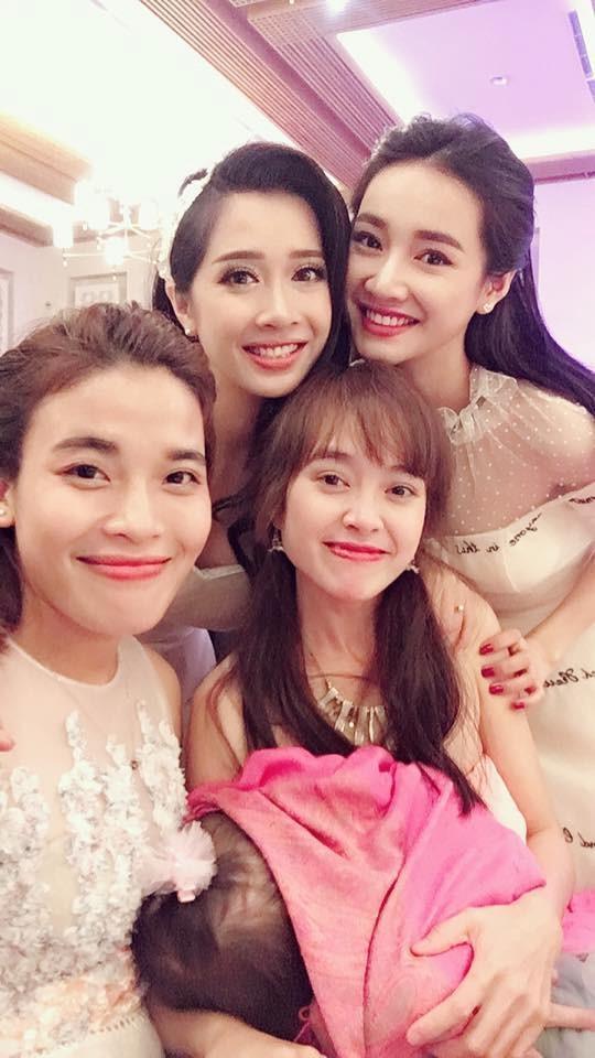Em gái xinh đẹp của Nhã Phương vượt mặt chị, lấy chồng ở tuổi 26-2