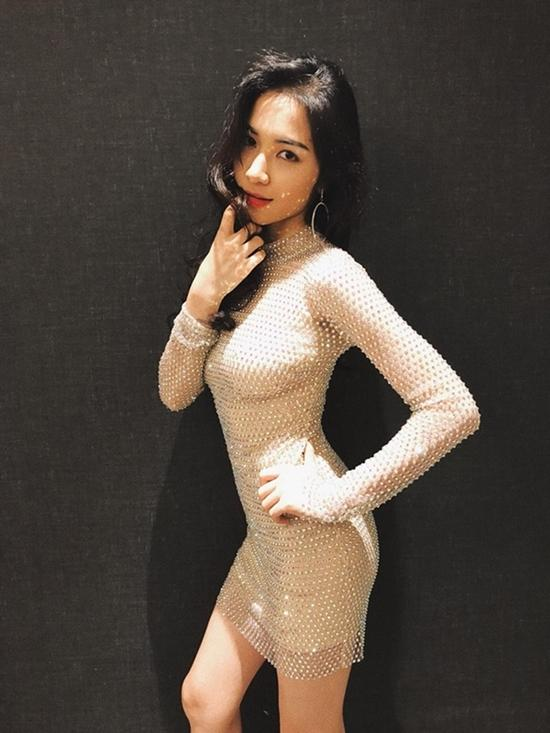 Hòa Minzy bật mí bí quyết giảm 10kg, vòng eo 55cm cực hiệu quả bằng cách CÓ NGƯỜI YÊU và KHÔNG TẬP GYM-1