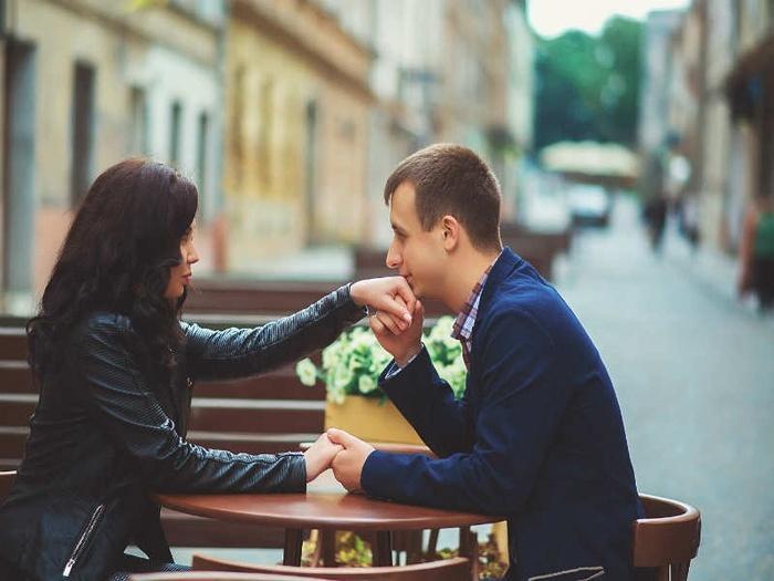 Tháng 8 này chuyện tình yêu của 12 CUNG HOÀNG ĐẠO có gì thay đổi?-12