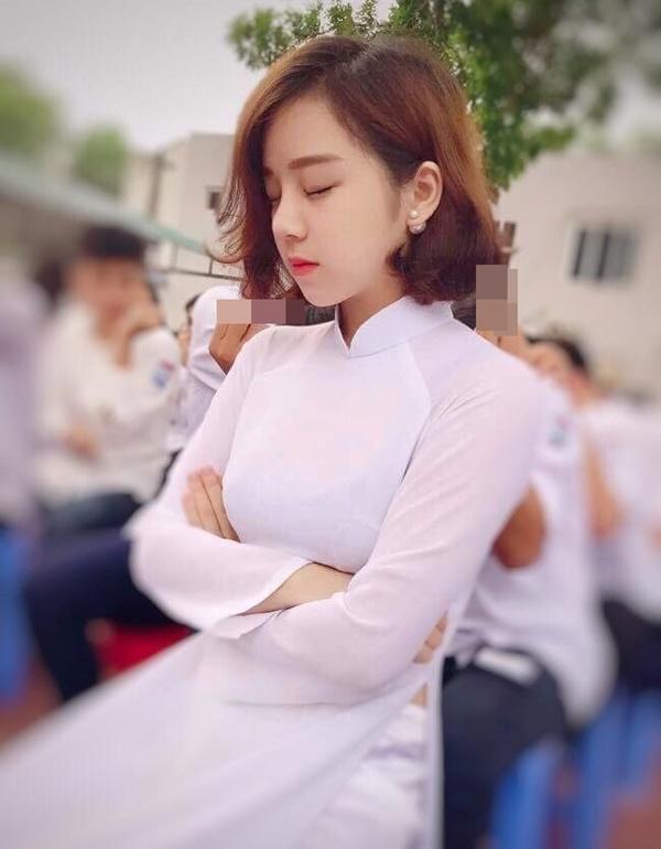 Hot girl ngủ gật gây chú ý ở trận đấu U23 Việt Nam - Palestine-2