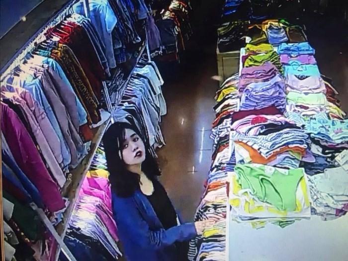 Clip tên cướp đi cùng gái xinh truy sát nữ nhân viên bán quần áo ở Đắk Lắk-6