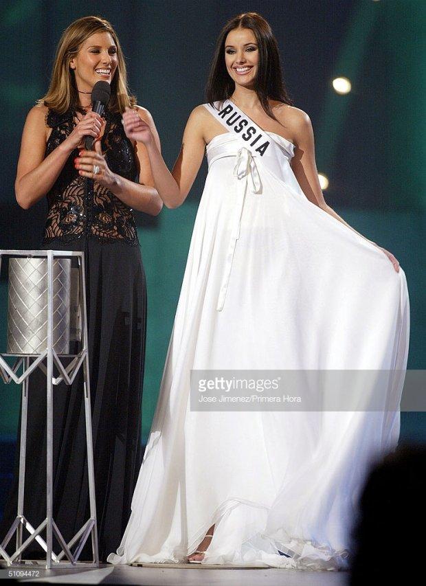 Những đàn chị mặc sắc trắng đẹp thần sầu HHen Niê nên học hỏi tại Miss Universe-2