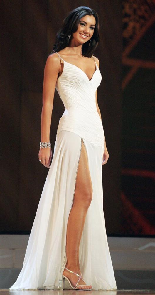 Những đàn chị mặc sắc trắng đẹp thần sầu HHen Niê nên học hỏi tại Miss Universe-5