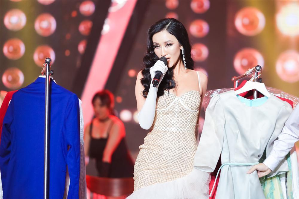 Khán giả vỗ tay tán thưởng cho Hồ Ngọc Hà phiên bản sau sinh qua sự thể hiện của Duy Khánh-7