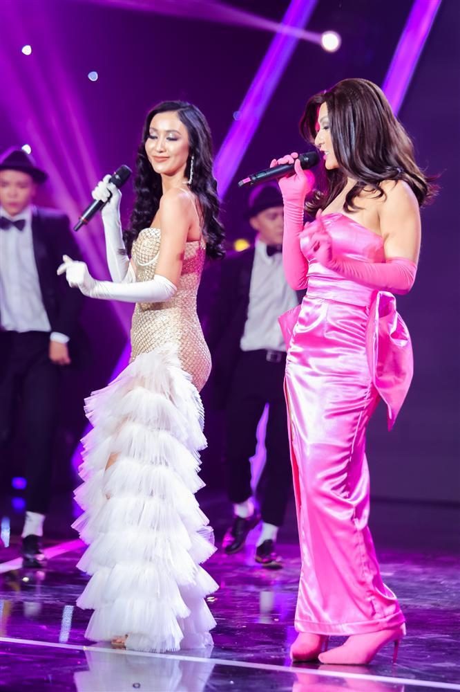 Khán giả vỗ tay tán thưởng cho Hồ Ngọc Hà phiên bản sau sinh qua sự thể hiện của Duy Khánh-8