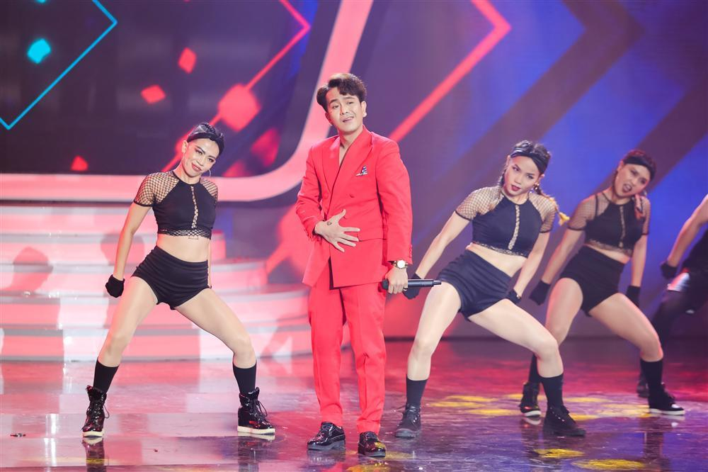Khán giả vỗ tay tán thưởng cho Hồ Ngọc Hà phiên bản sau sinh qua sự thể hiện của Duy Khánh-10