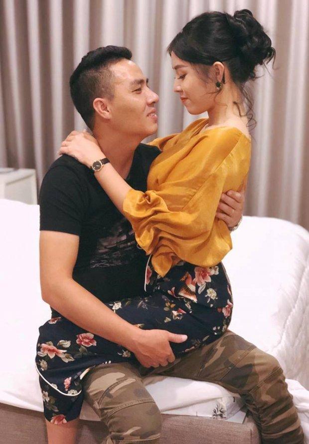 MC Hoàng Linh hạnh phúc khoe xế hộp tiền tỷ mới tậu cùng chồng sắp cưới-6