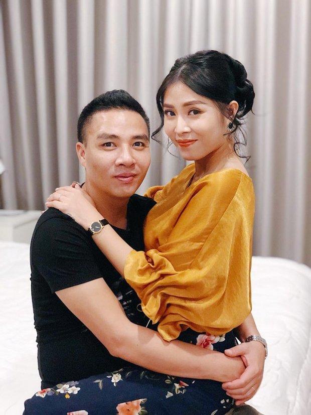 MC Hoàng Linh hạnh phúc khoe xế hộp tiền tỷ mới tậu cùng chồng sắp cưới-7