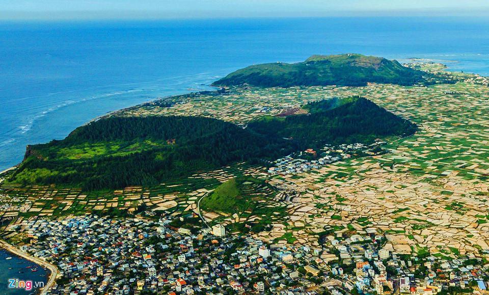Ngắm miệng núi lửa trên đảo Lý Sơn từ fly cam-5