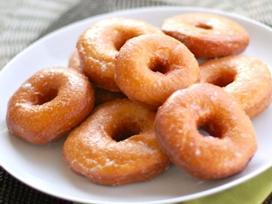 Tự làm bánh doughnut khoai tây chiên ngon ngất ngây