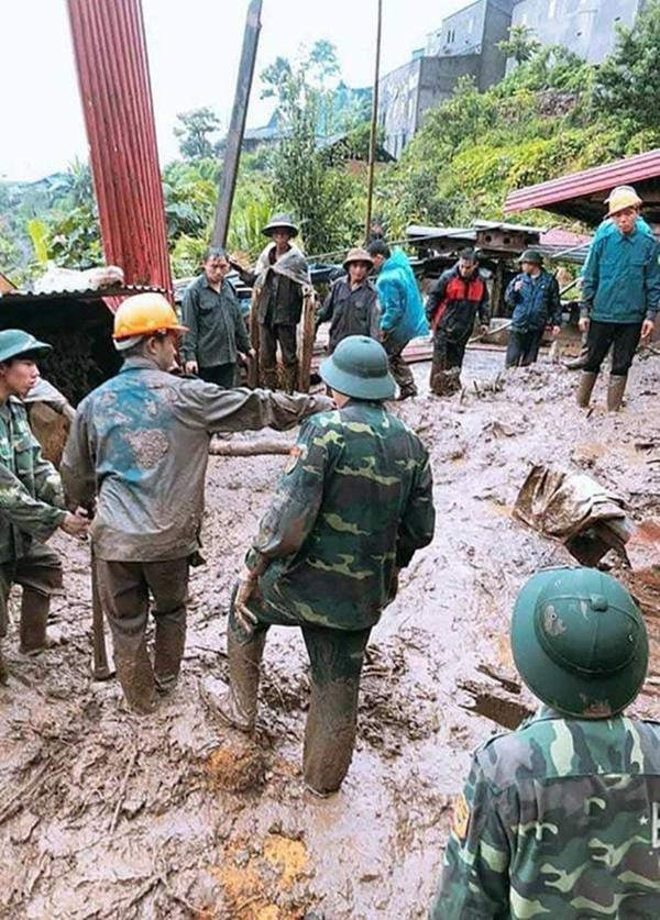 Sạt lở kinh hoàng ở Lai Châu: 12 người chết và mất tích, giao thông tê liệt hoàn toàn-1