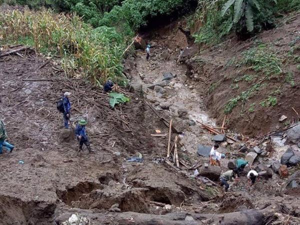 Sạt lở kinh hoàng ở Lai Châu: 12 người chết và mất tích, giao thông tê liệt hoàn toàn-2