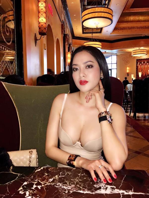 Lâm Vũ cưng như trứng vợ Việt Kiều đang mang thai 8 tháng-10