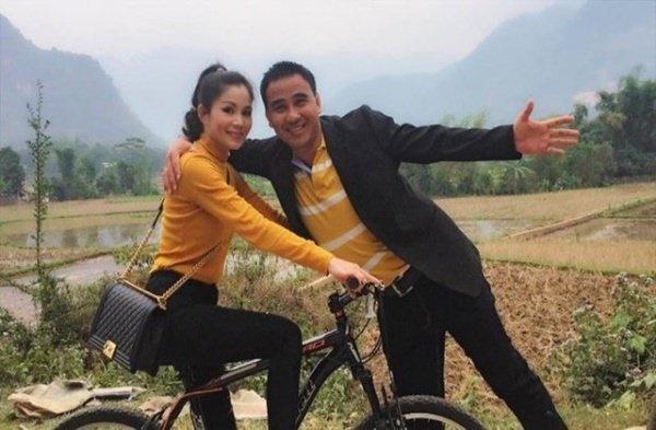 Vợ MC Quyền Linh sang chảnh hết nấc với loạt đồ hiệu-8