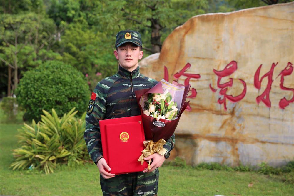 Tiết lộ gia thế và tài năng xuất chúng của ông xã Lý Mạc Sầu Trương Hinh Dư-3