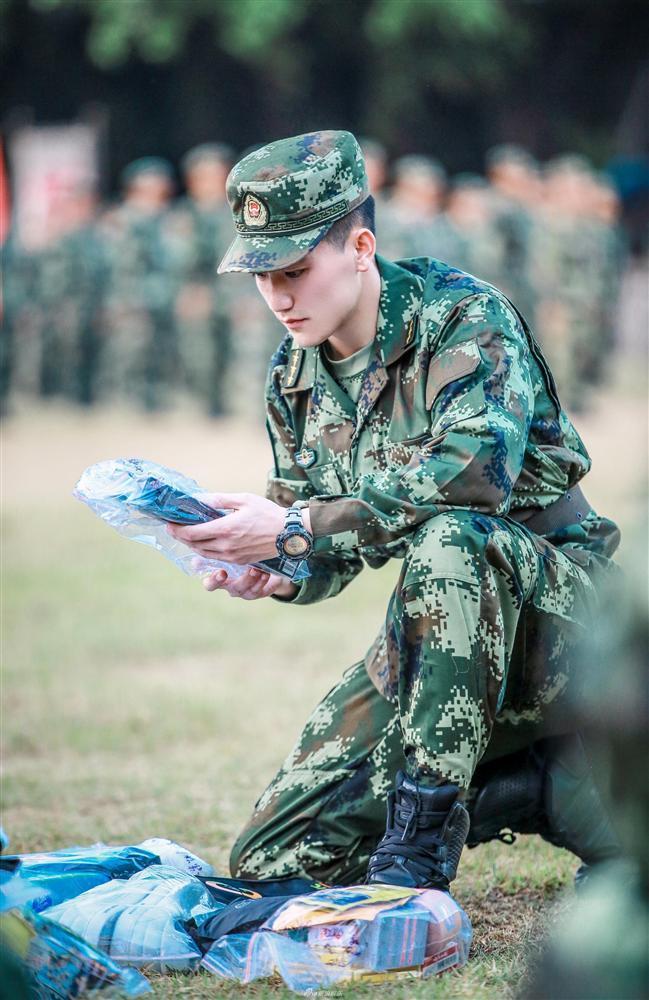 Tiết lộ gia thế và tài năng xuất chúng của ông xã Lý Mạc Sầu Trương Hinh Dư-6