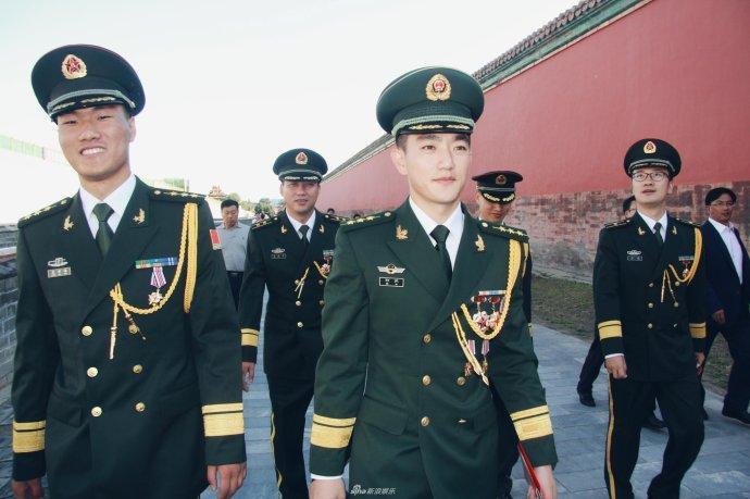 Tiết lộ gia thế và tài năng xuất chúng của ông xã Lý Mạc Sầu Trương Hinh Dư-11