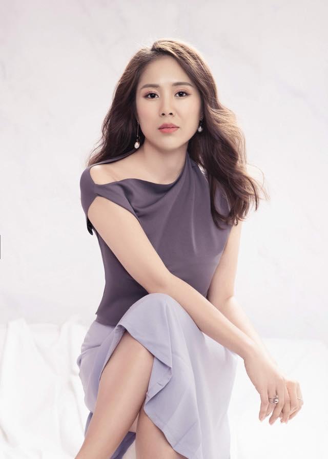 Thu Minh uốn éo phô diễn hình thể với bikini đen-9