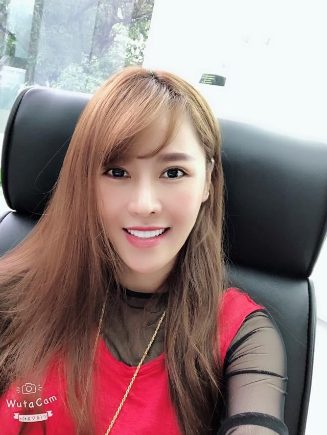 Thu Minh uốn éo phô diễn hình thể với bikini đen-5