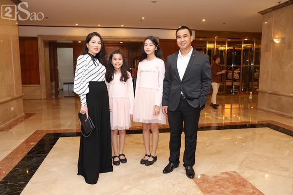 Dàn sao Việt tấp nập đến chúc mừng đám cưới con gái NSND Hồng Vân-14