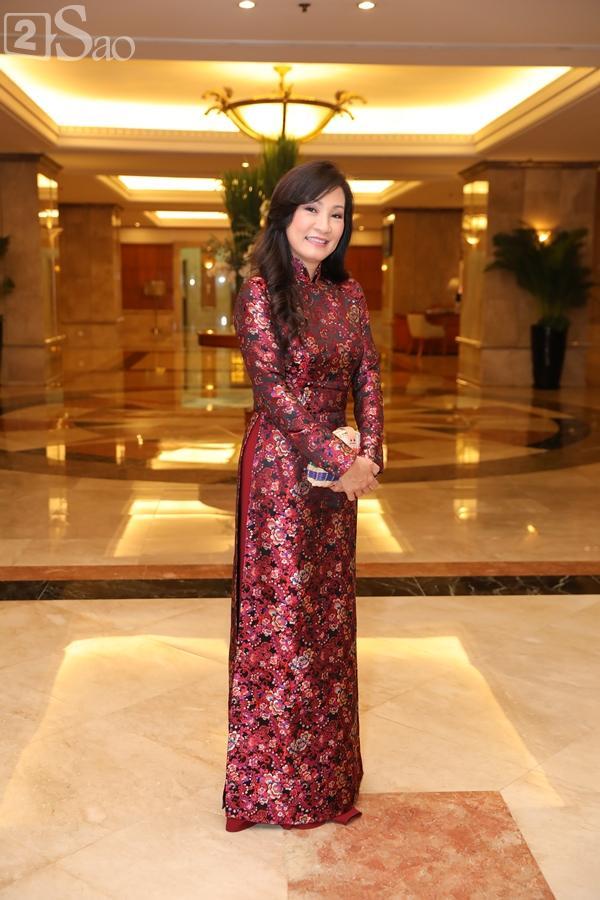 Dàn sao Việt tấp nập đến chúc mừng đám cưới con gái NSND Hồng Vân-15