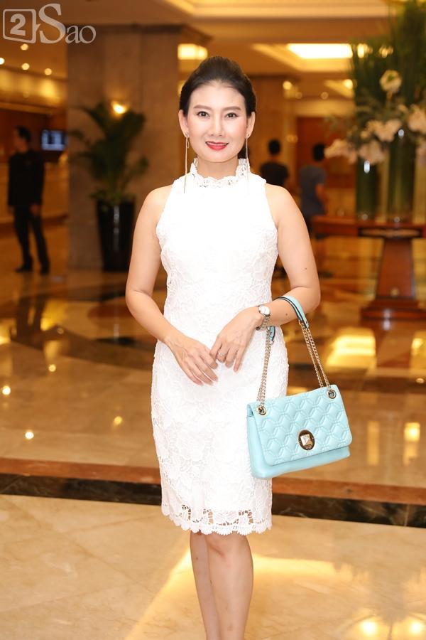 Dàn sao Việt tấp nập đến chúc mừng đám cưới con gái NSND Hồng Vân-17