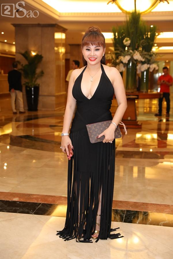 Dàn sao Việt tấp nập đến chúc mừng đám cưới con gái NSND Hồng Vân-12