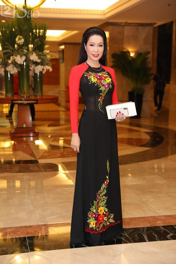 Dàn sao Việt tấp nập đến chúc mừng đám cưới con gái NSND Hồng Vân-11