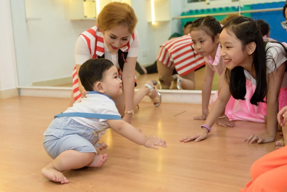 Xứng danh con nhà nòi, tài năng thiên bẩm của cậu ấm - cô chiêu nhà sao Việt khiến vạn người ngưỡng mộ-12